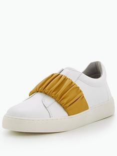 nine-west-pindiviah-ruched-strap-sneaker-whitegold