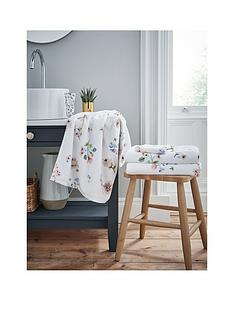 cath-kidston-scattered-pressed-flowers-hand-towel