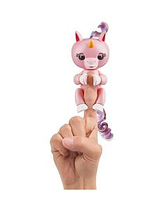 fingerlings-wowwee-unicorn-pink