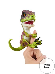 fingerlings-fingerlings-untamed-ndash-velociraptor-dino-ndash-fury-green