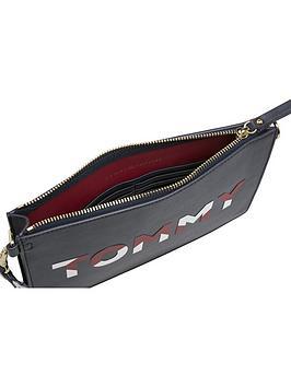 Crossbody Hilfiger Tommy Bag Iconic Affordable Online cVYYOj6t