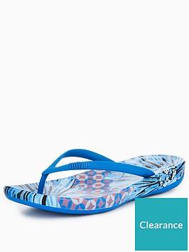 251abacc872eb FitFlop iQushion™ Ergonomic Flip Flop - Royal Blue ...