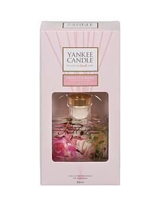 yankee-candle-signature-reed-diffuser-fresh-cut-roses