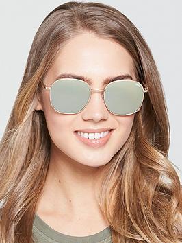 e54a8b7bd2 QUAY AUSTRALIA Rounded Sunglasses - Gold