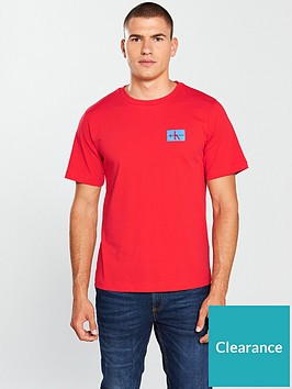 calvin-klein-jeans-ck-jeans-monogram-chest-badge-t-shirt