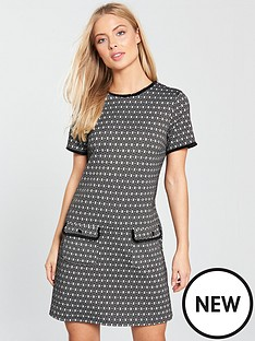 wallis-oval-jacquard-shift-dress-black