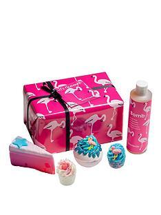 bomb-cosmetics-bomb-cosmetics-letrsquos-flamingle-giftset