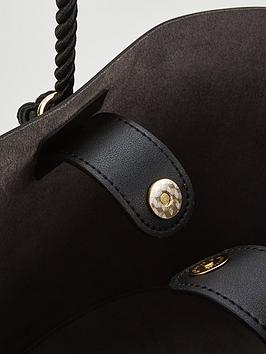 Bag Very Shoulder Detail by Black V  Tassel Soft nbsp Outlet Release Dates Cheap Perfect Wholesale Price For Sale Cheap Sale Low Price Fee Shipping H0wIpaFBI