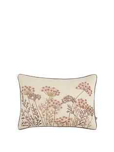 gallery-patterdale-cushion-blush