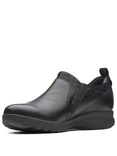 5e3417917586 Clarks Un Adorn Zip Flat Shoe - Black