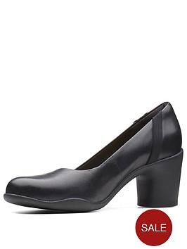 clarks-un-rosa-step-court-shoe-black