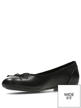 clarks-wide-fit-couture-bloom-ballerinas-black