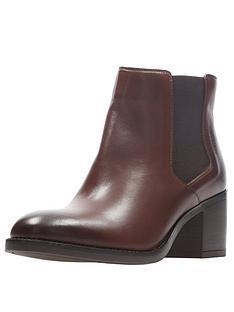 clarks-mascarpone-bay-block-heel-ankle-boot-tannbsp