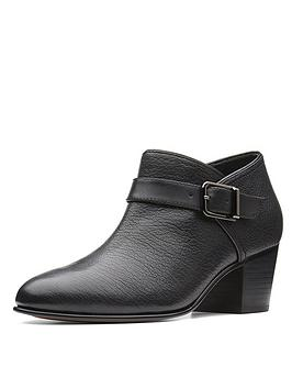 clarks-maypearl-milla-ankle-boot-black