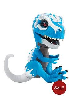 fingerlings-fingerlings-untamed--baby-t-rex-ironjaw