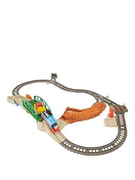thomas-friends-trackmaster-daring-derail-train-set