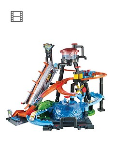 hot-wheels-city-ultimate-gator-car-wash-connectable-play-set