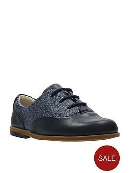 clarks-drew-wow-first-shoe