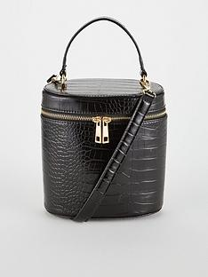 v-by-very-parker-vanity-bag-black