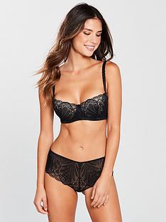 wonderbra-refined-glamour-balconette-bra