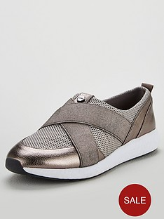 carvela-java-elastic-cross-front-pull-on-trainer-pewter