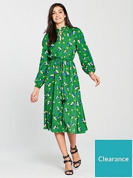 v-by-very-printed-tie-waist-dress-greennbsp