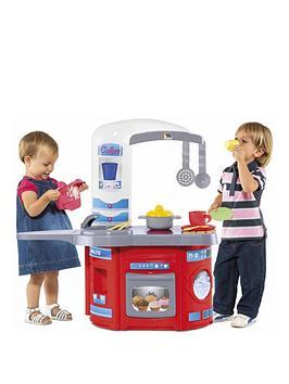 molto-first-chef-kitchen