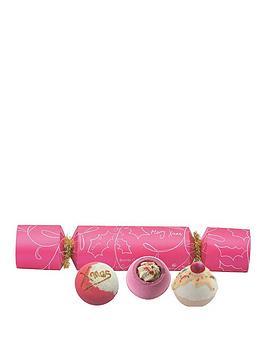 bomb-cosmetics-berry-christmas-cracker