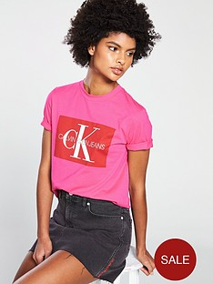calvin-klein-jeans-iconic-monogram-box-straight-t-shirt-pink