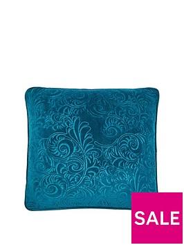 laurence-llewelyn-bowen-rialto-velvet-cushion