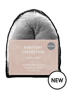 everyday-collection-everyday-teddy-v-shaped-pillow