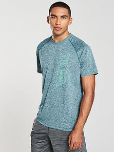 under-armour-graphic-tech-t-shirt
