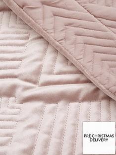 michelle-keegan-home-pink-velvet-throw