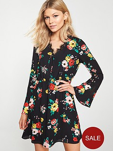 v-by-very-petite-lace-trim-printed-tea-dress-black-floral