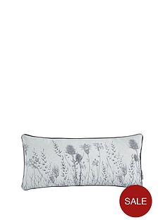 gallery-wild-winter-bloom-cushion