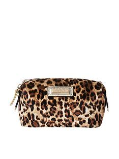 river-island-make-up-bag-leopard