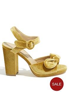 oasis-vixen-velvet-high-heel