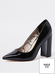 7edd4b66b6f36 River Island Wide Fit Block Heel Court Shoes - Black