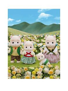 sylvanian-families-wolly-alpaca-family