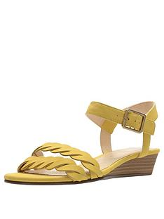 clarks-mena-blossom-flat-sandal