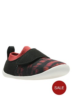 clarks-national-geographic-roamer-geo-first-shoe