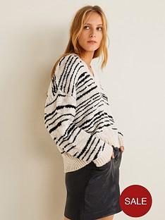mango-abstract-stripe-v-neck-jumper-white