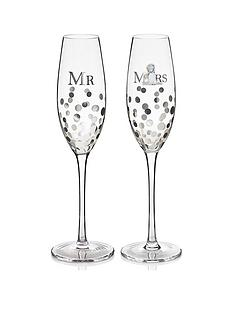 me-to-you-mr-and-mrs-champagne-glass-set