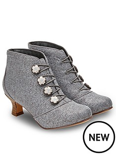 joe-browns-a-fine-spring-day-boots