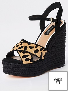 947e24c5d8b1 River Island River Island Wide Fit Studded Wedge - Leopard