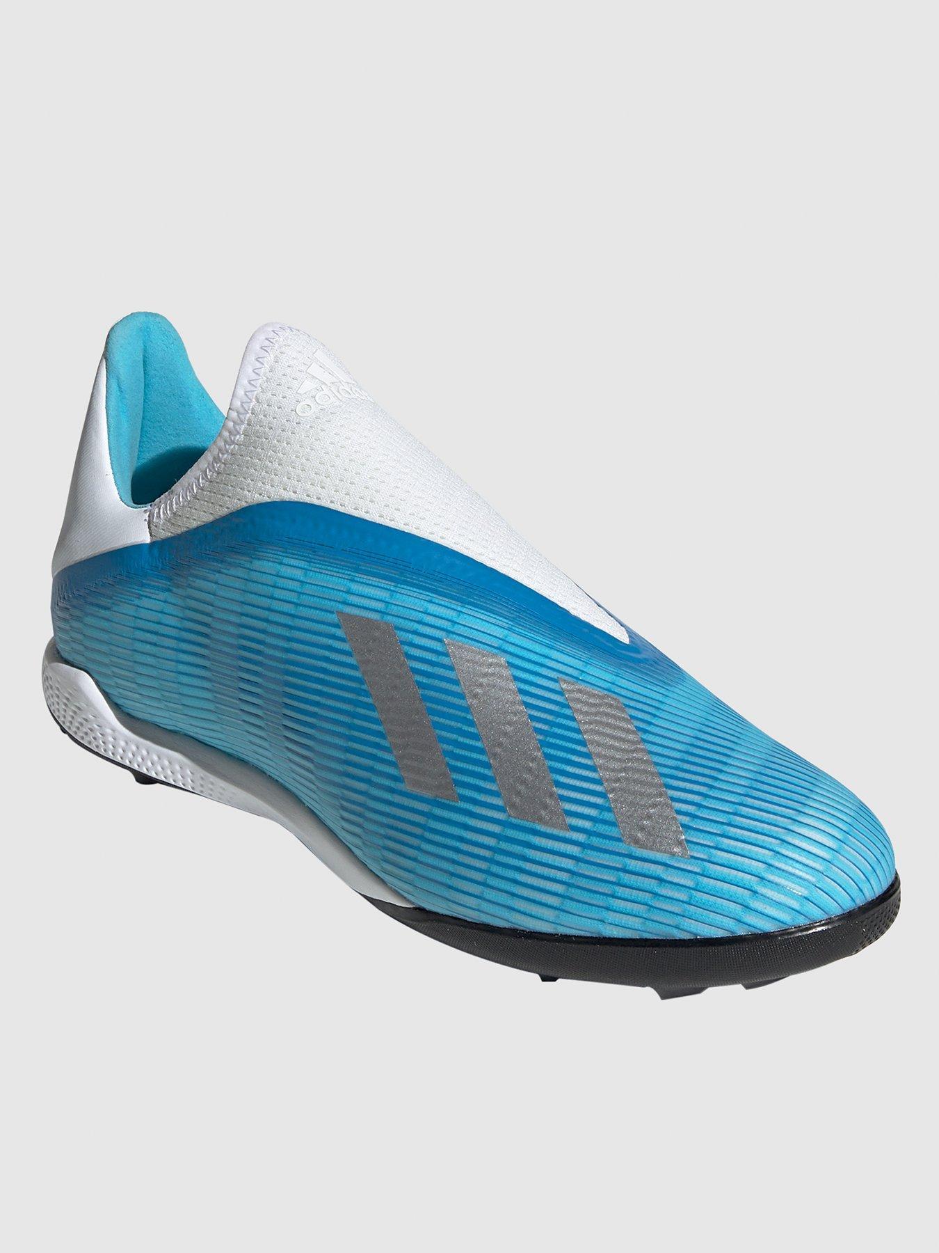 Laceless 19.3 Astro Turf Football Boot