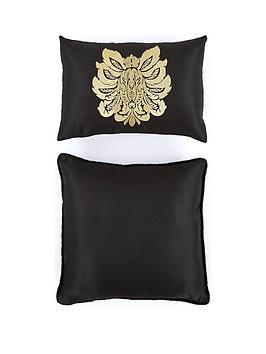 boston-glamour-cushion-pair