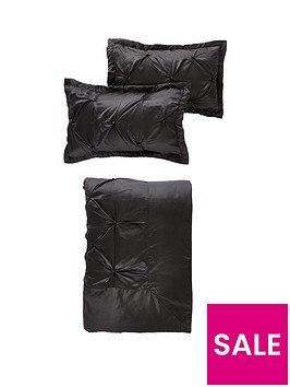 boston-glamour-throw-and-pillow-shams