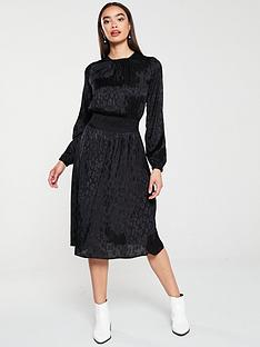 v-by-very-shirred-waist-jacquard-midi-dress-black