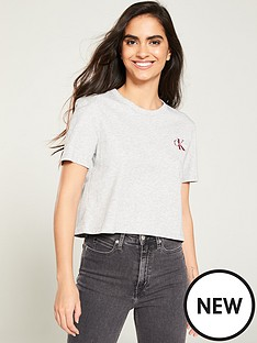 calvin-klein-jeans-monogram-embroidery-cropped-t-shirt-grey-heather